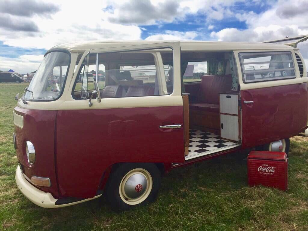 1969 T2 Devon Caravette Early Bay RHD  £10,950 For Sale (picture 1 of 6)