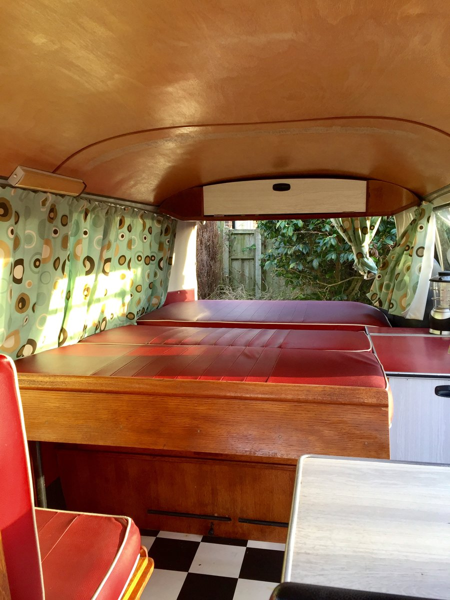 1969 T2 Devon Caravette Early Bay RHD  £10,950 For Sale (picture 6 of 6)