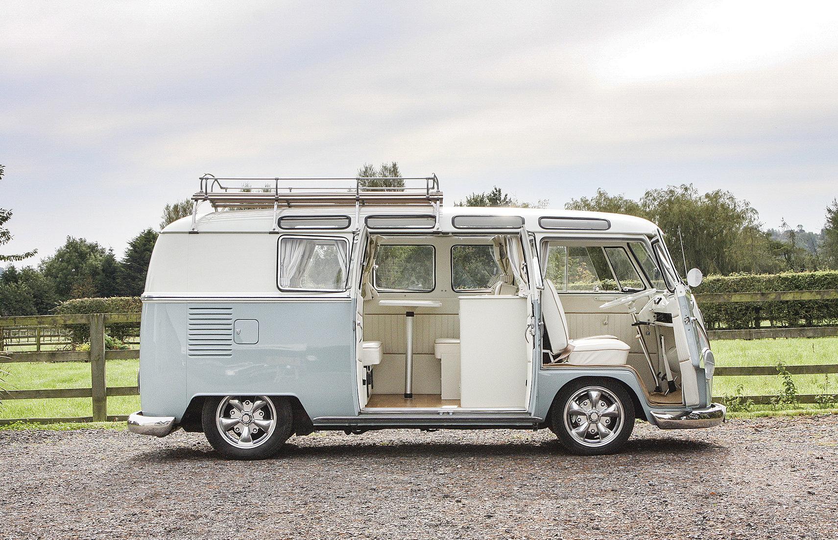 1966 Volkswagen 19-Window Barn-Door Camper For Sale (picture 2 of 6)