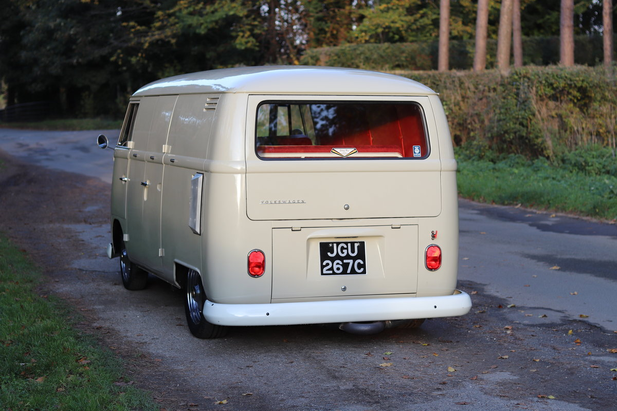 1965 VW Splitscreen Van - Richard Morana 2165cc engine, high