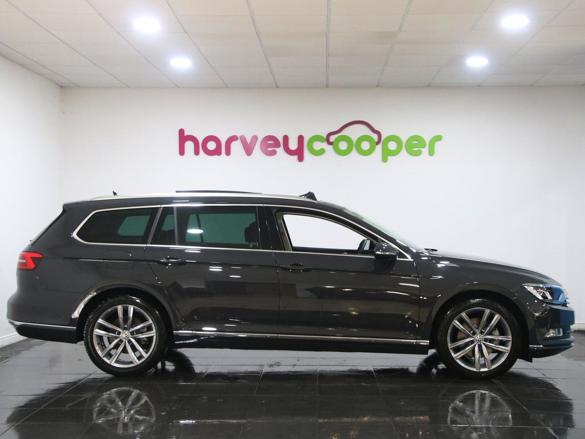 Volkswagen Passat 2.0 TDI GT 5dr [Panoramic Roof] 2019(19) For Sale (picture 2 of 6)