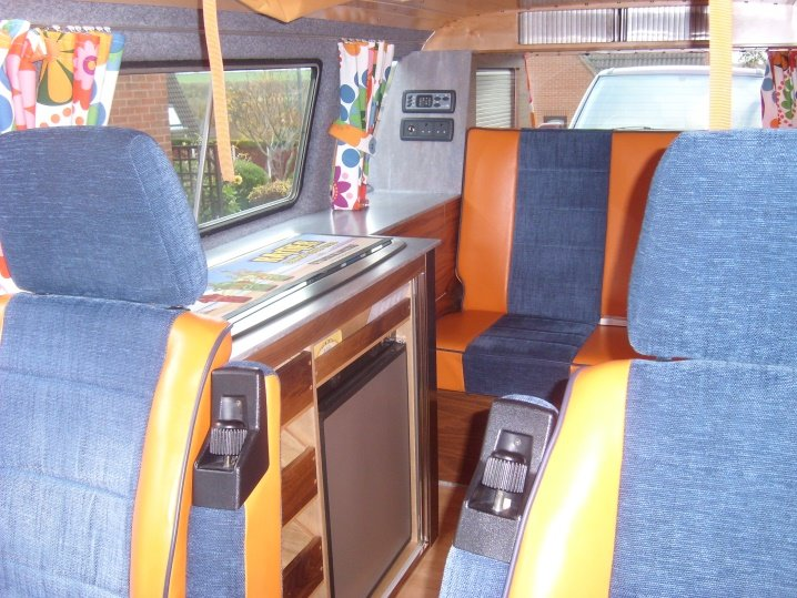 1989 VW T25 Campervan + extras Well loved and cared for For Sale (picture 3 of 6)