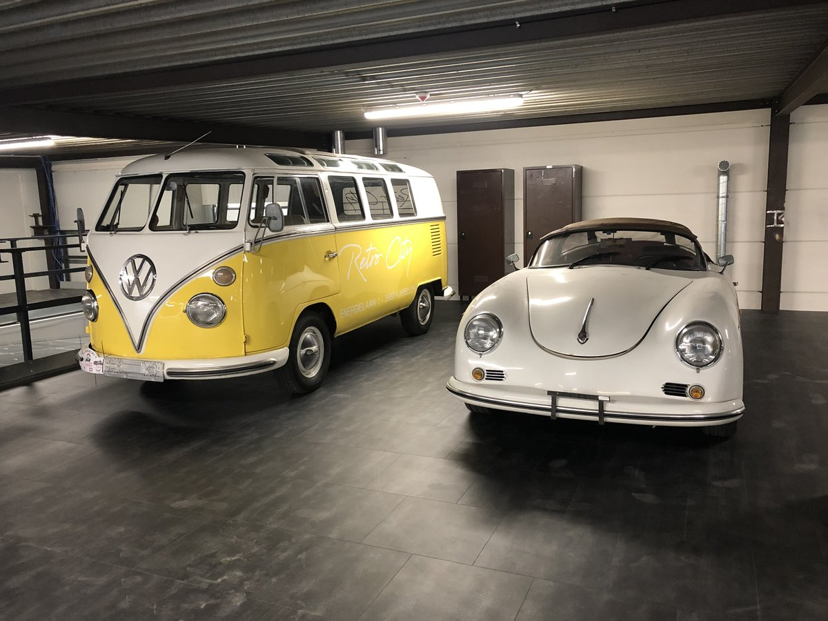 1961 Volkswagen type 1 19 windows de luxe For Sale (picture 5 of 6)