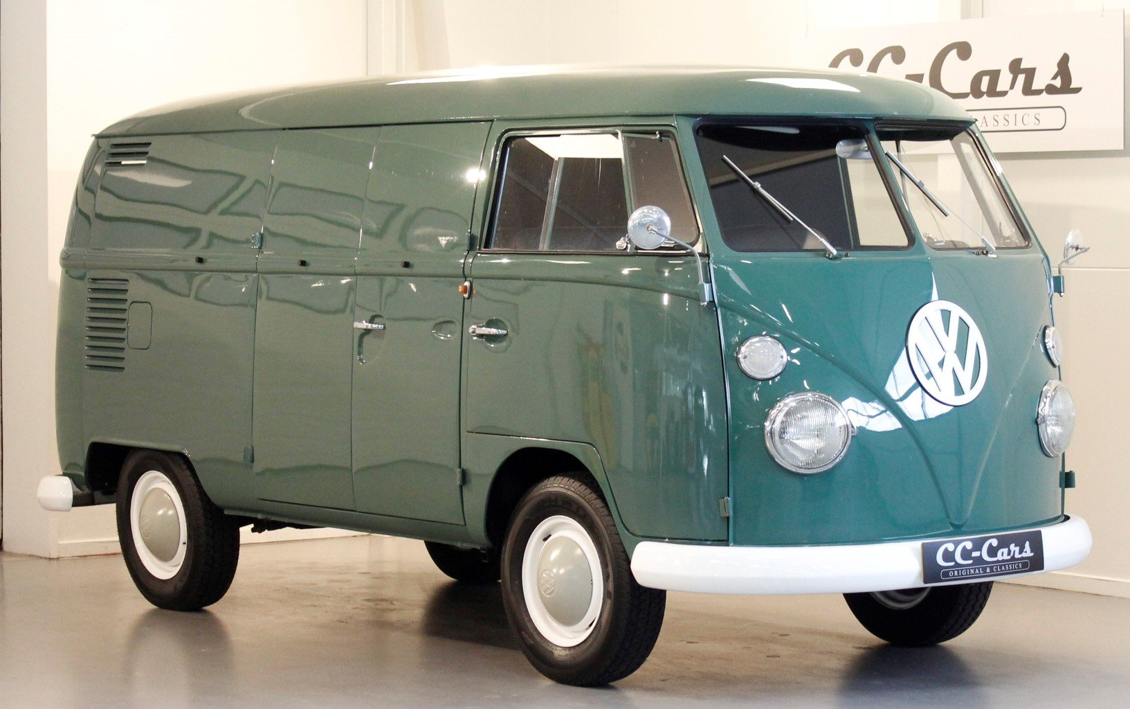 1967 VW T1 Van For Sale (picture 1 of 6)
