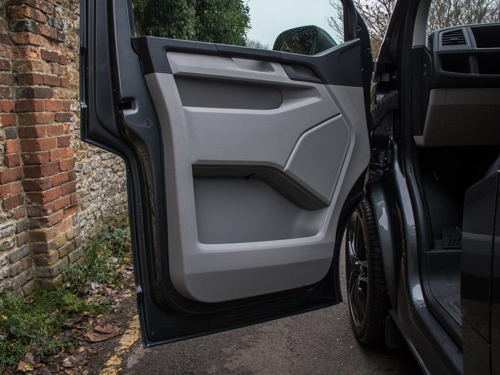 2017 Volkswagen    Transporter T32 Highline 4Motion  For Sale (picture 11 of 18)