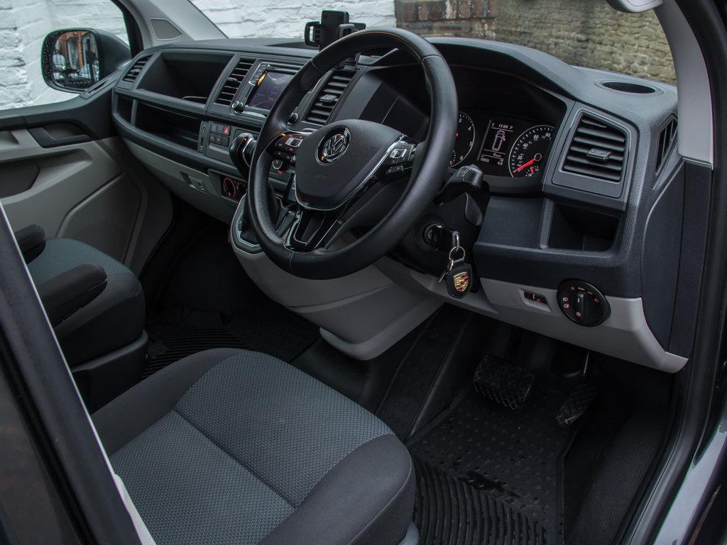 2017 Volkswagen    Transporter T32 Highline 4Motion  For Sale (picture 12 of 18)