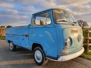 1970 VW T2 Low Light Early Bay Pick Up