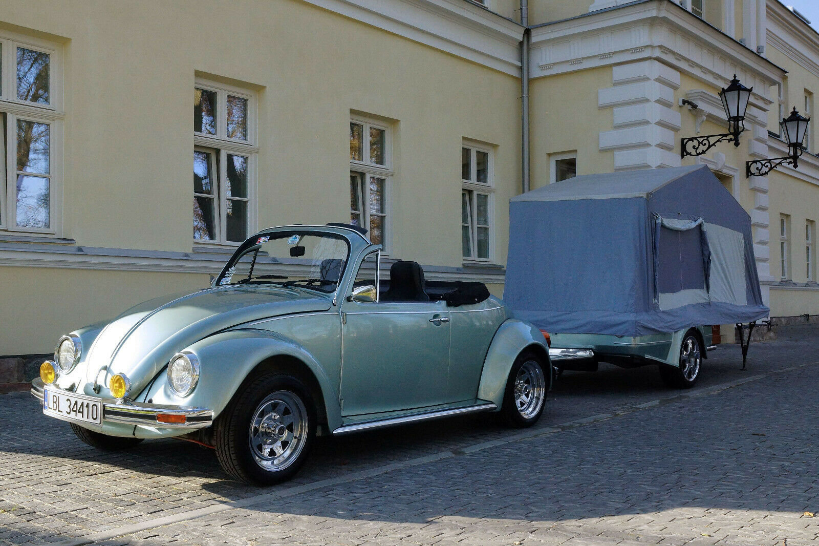 1984 Volkswagen Beetle Cabrio + tent trailer For Sale (picture 1 of 6)