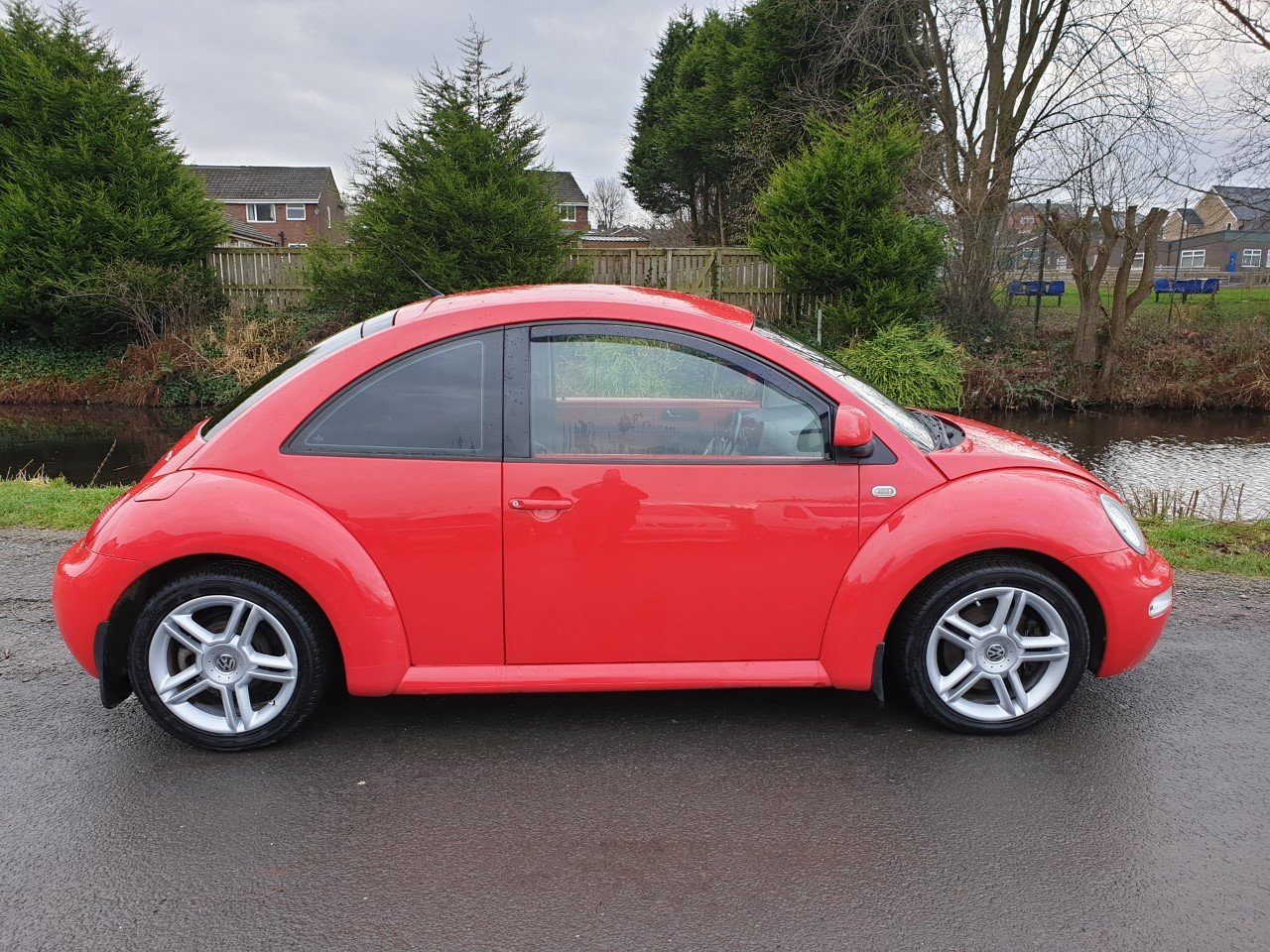 2002 Volkswagen Beetle V5 2.3 With full read and black leather. For Sale (picture 2 of 6)