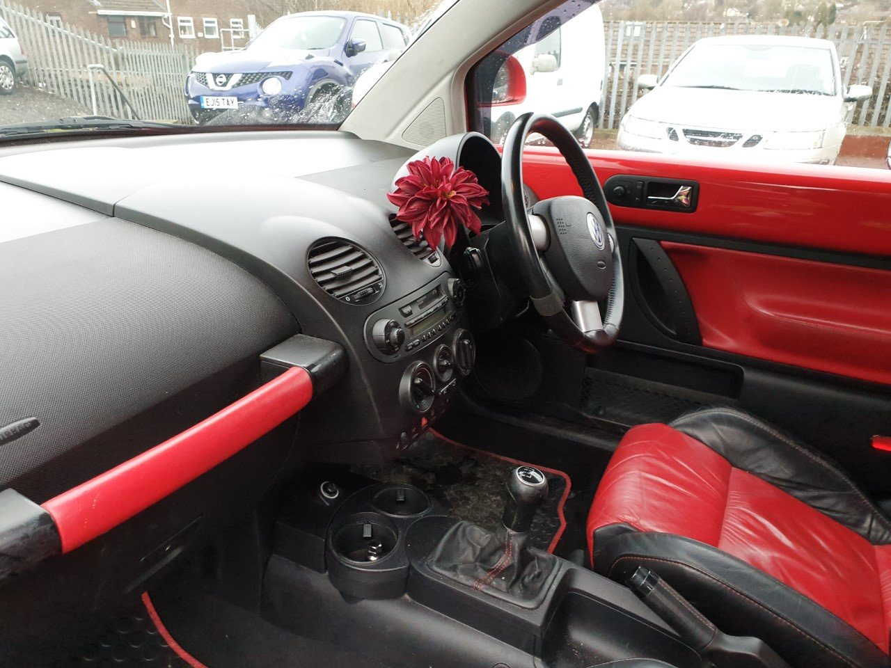 2002 Volkswagen Beetle V5 2.3 With full read and black leather. For Sale (picture 5 of 6)