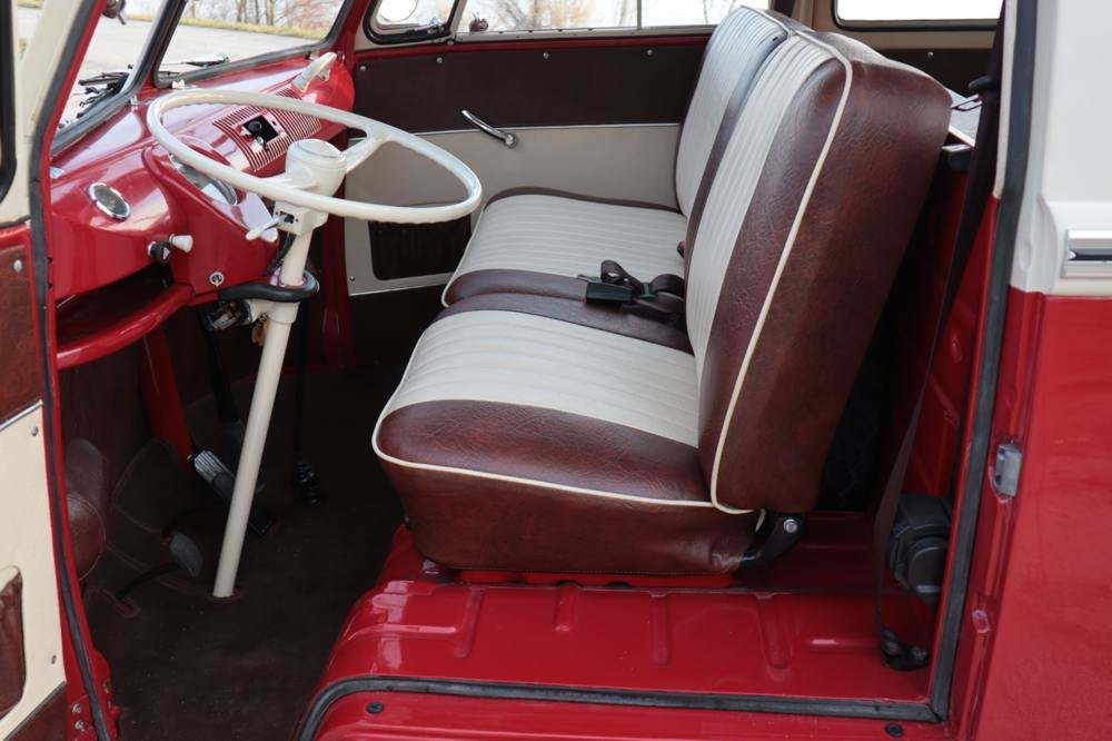 1970 Volkswagen T1 Sunroof Bus Frame Off Restoration For Sale (picture 4 of 6)