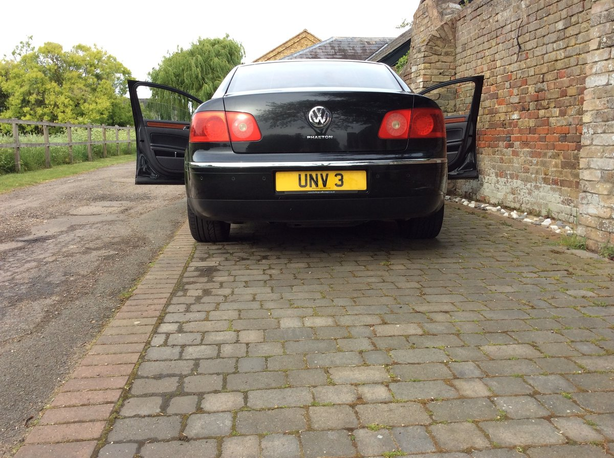 2005 UNV 3 private plate UNV 3 on retention Certificate For Sale (picture 2 of 3)