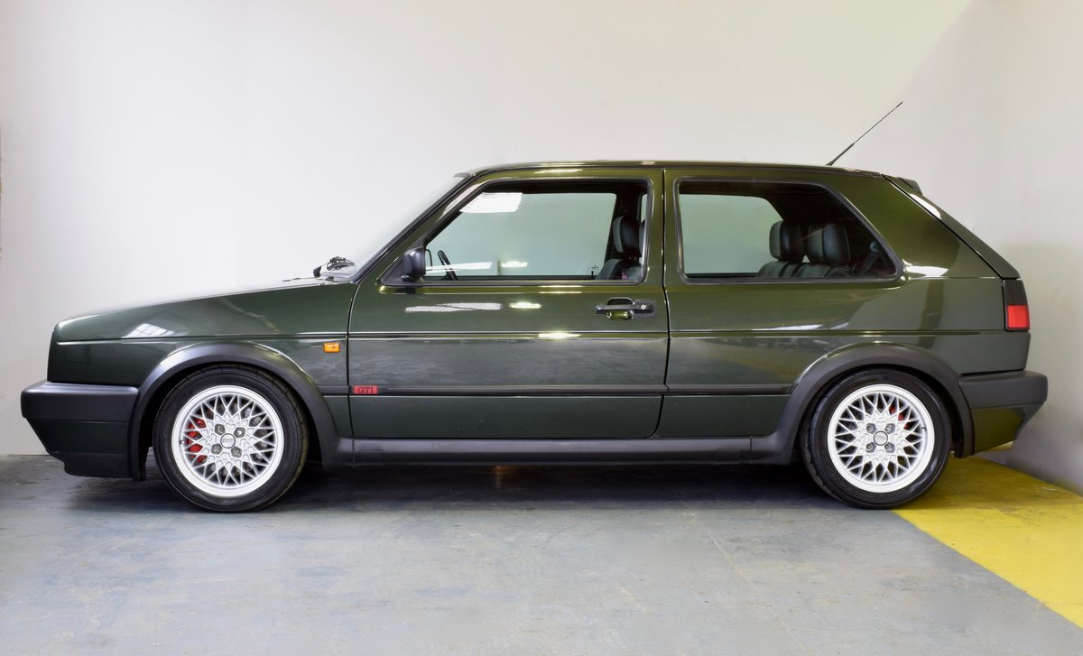 VW GOLF MK2 GTI 16V OAK GREEN 3DR 1991 SOLD (picture 7 of 15)