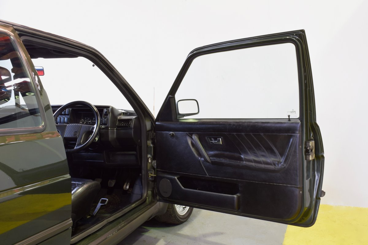 VW GOLF MK2 GTI 16V OAK GREEN 3DR 1991 SOLD (picture 11 of 15)