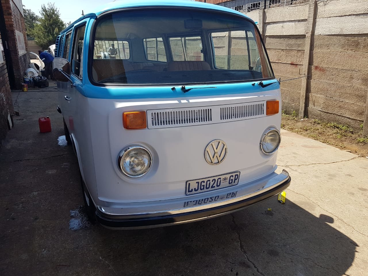 1976 VW Microbus - South African Import For Sale (picture 1 of 6)