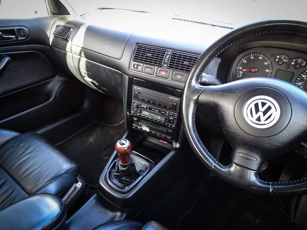 2002 Volkswagen  GOLF  2.8 V6 4MOTION 5 DOOR  5,948 For Sale (picture 6 of 14)