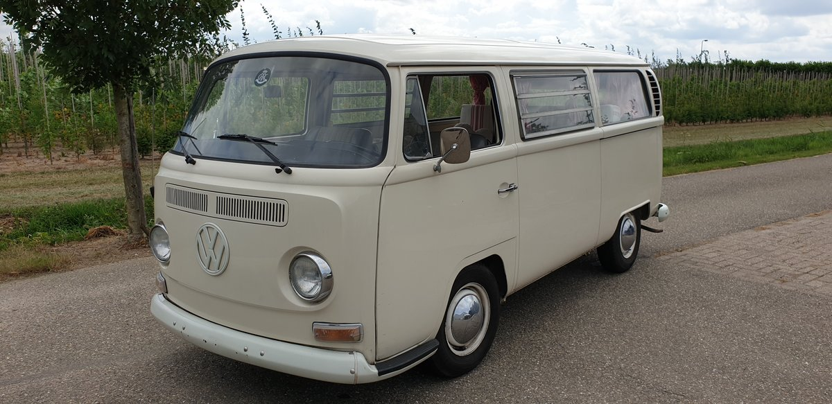 1970 VW Baywindow - We are looking for classic busses! Wanted (picture 1 of 6)