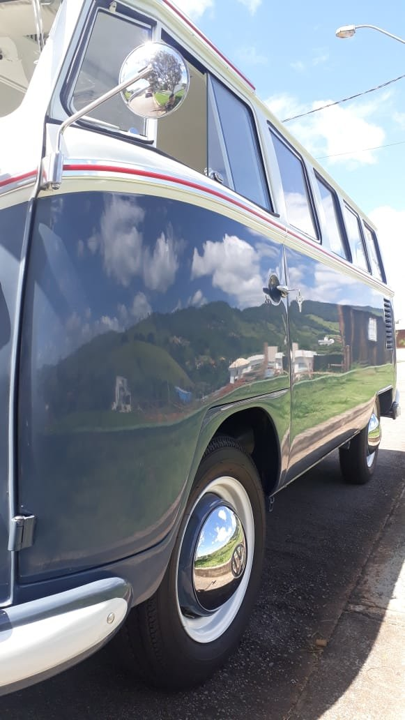 1966  AAA Quality 11 window bus For Sale (picture 2 of 6)