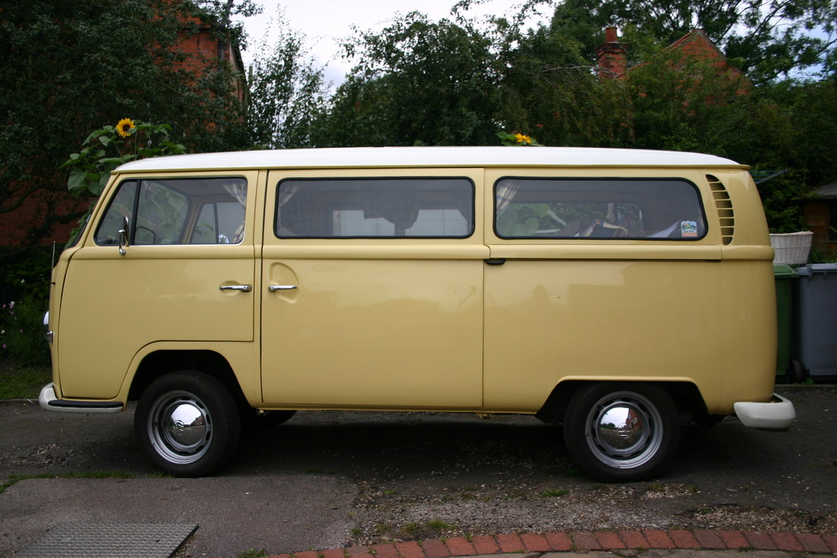 1970 VW T2 Bay Campervan Classic  For Sale (picture 2 of 6)