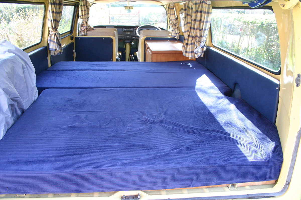 1970 VW T2 Bay Campervan Classic  For Sale (picture 5 of 6)