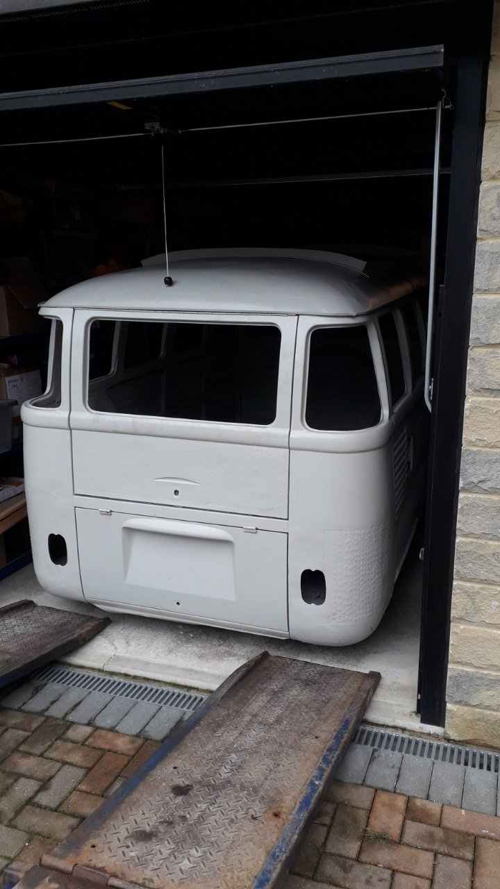 1964 VW Camper Chassis and Shell  For Sale (picture 3 of 4)