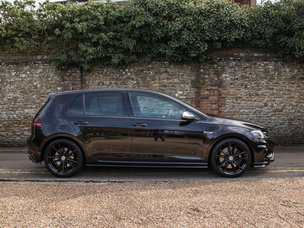 2019 Volkswagen    Golf R TSI 4Motion For Sale (picture 1 of 18)
