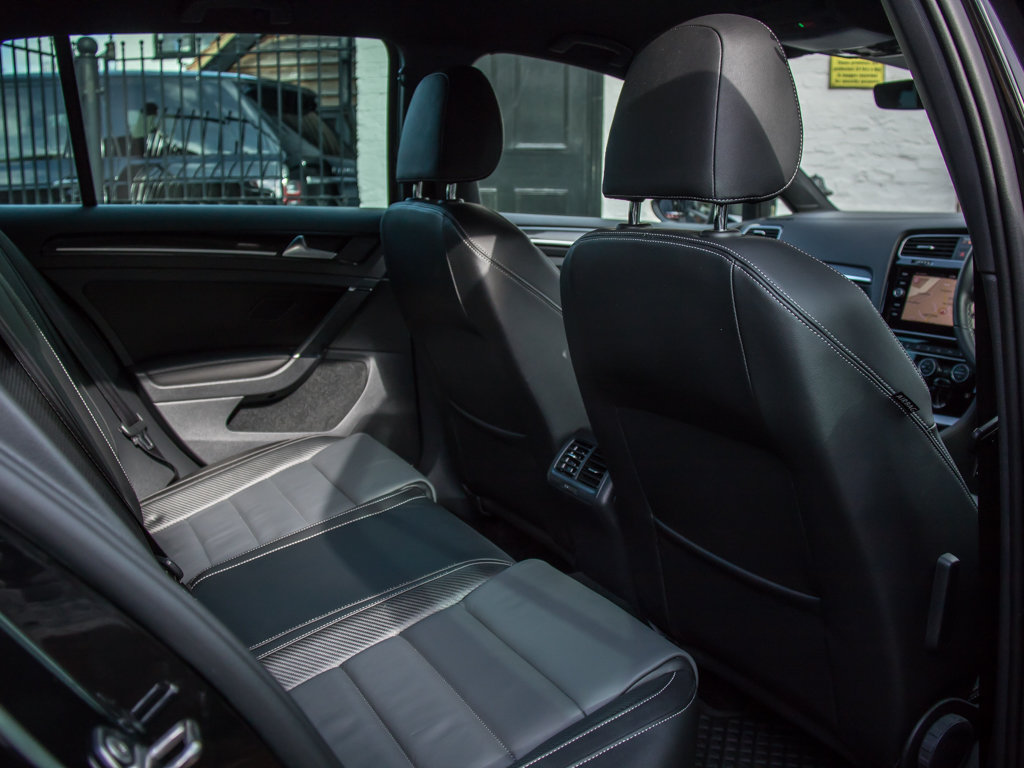 2019 Volkswagen    Golf R TSI 4Motion For Sale (picture 15 of 18)