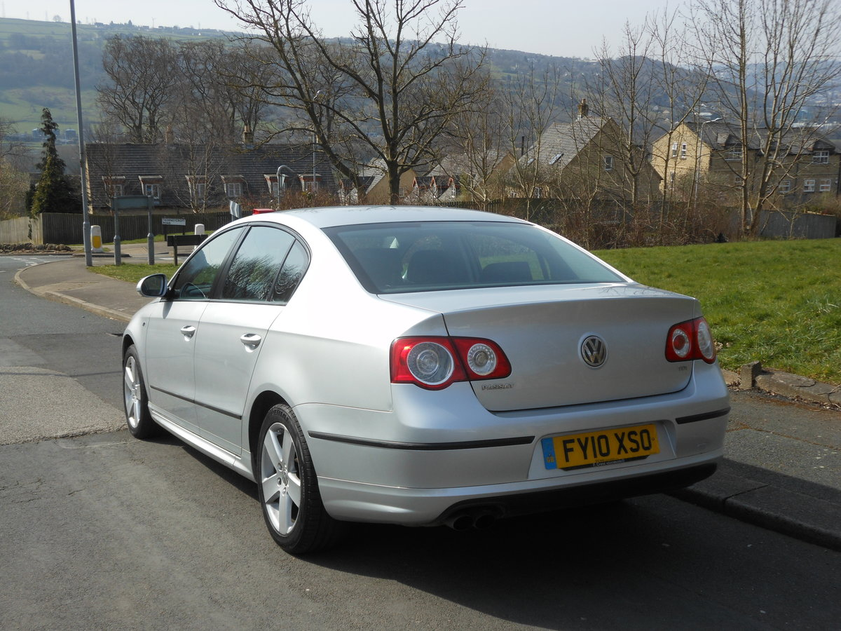 2010 VW Passat 2.0 TDI R Line  One Former + FSH SOLD (picture 3 of 6)