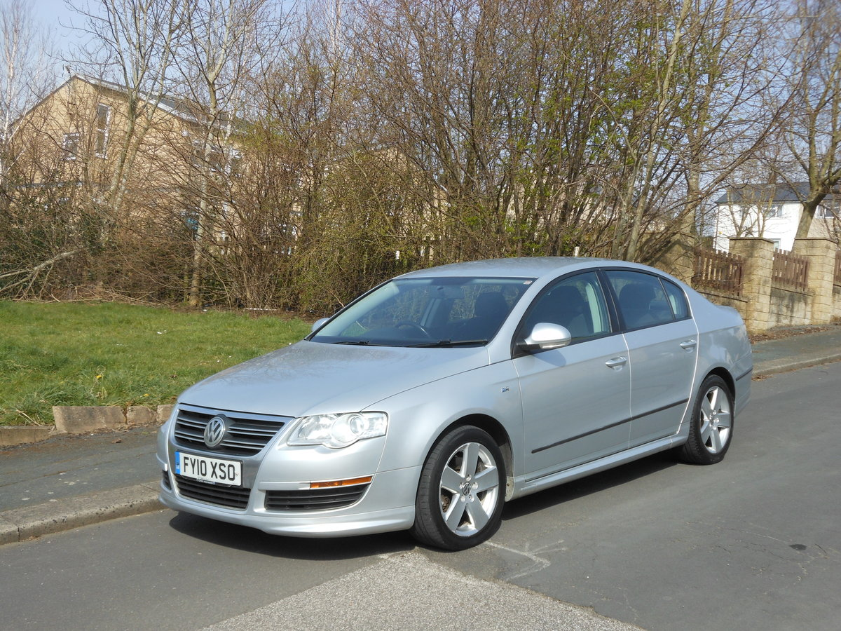 2010 VW Passat 2.0 TDI R Line  One Former + FSH SOLD (picture 4 of 6)
