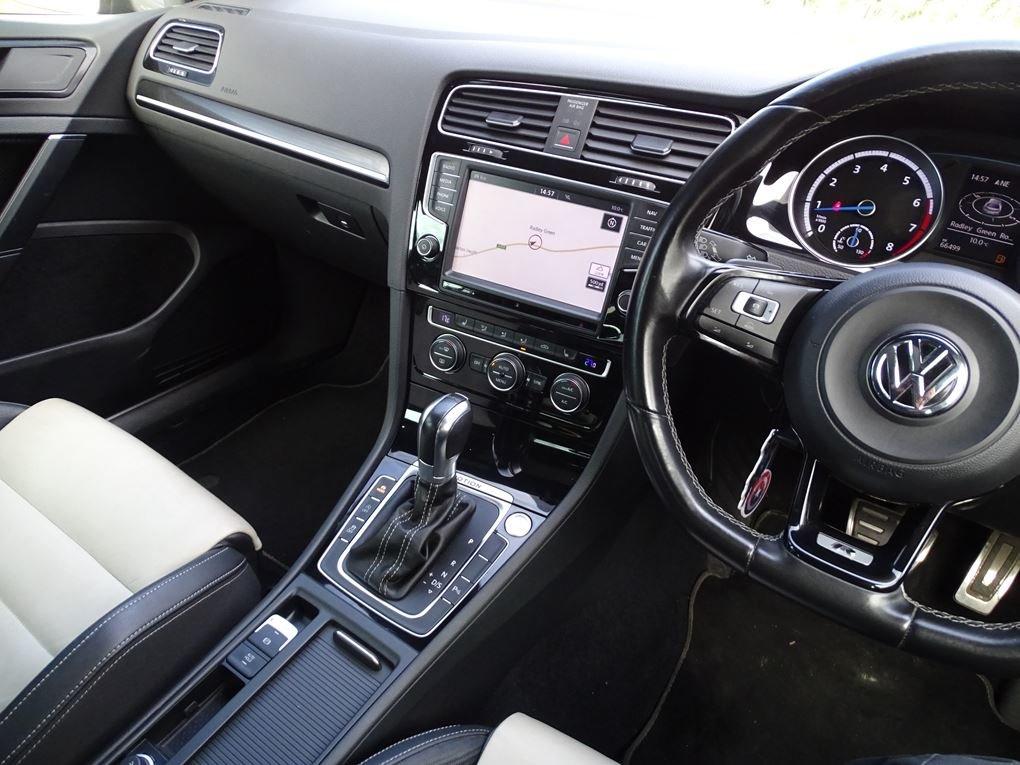 2016 Volkswagen  GOLF  R 2.0 TSI 5 DOOR DSG AUTO  17,948 For Sale (picture 6 of 21)