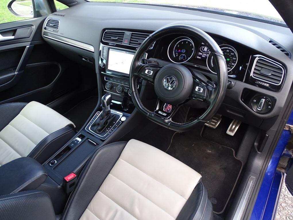 2016 Volkswagen  GOLF  R 2.0 TSI 5 DOOR DSG AUTO  17,948 For Sale (picture 8 of 21)