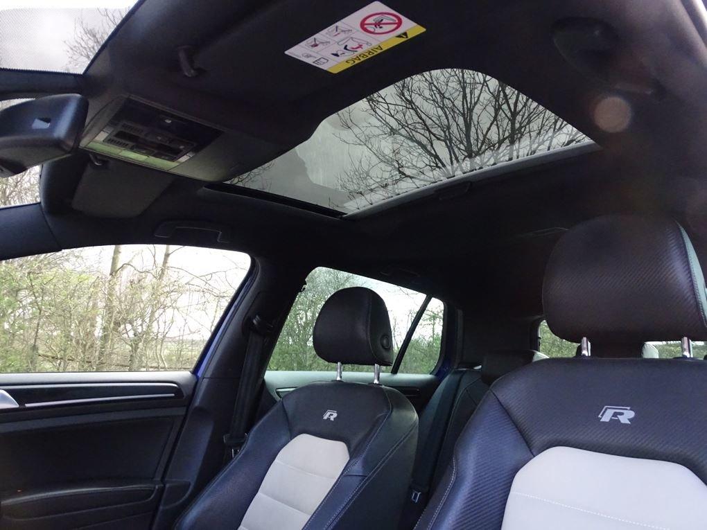 2016 Volkswagen  GOLF  R 2.0 TSI 5 DOOR DSG AUTO  17,948 For Sale (picture 12 of 21)