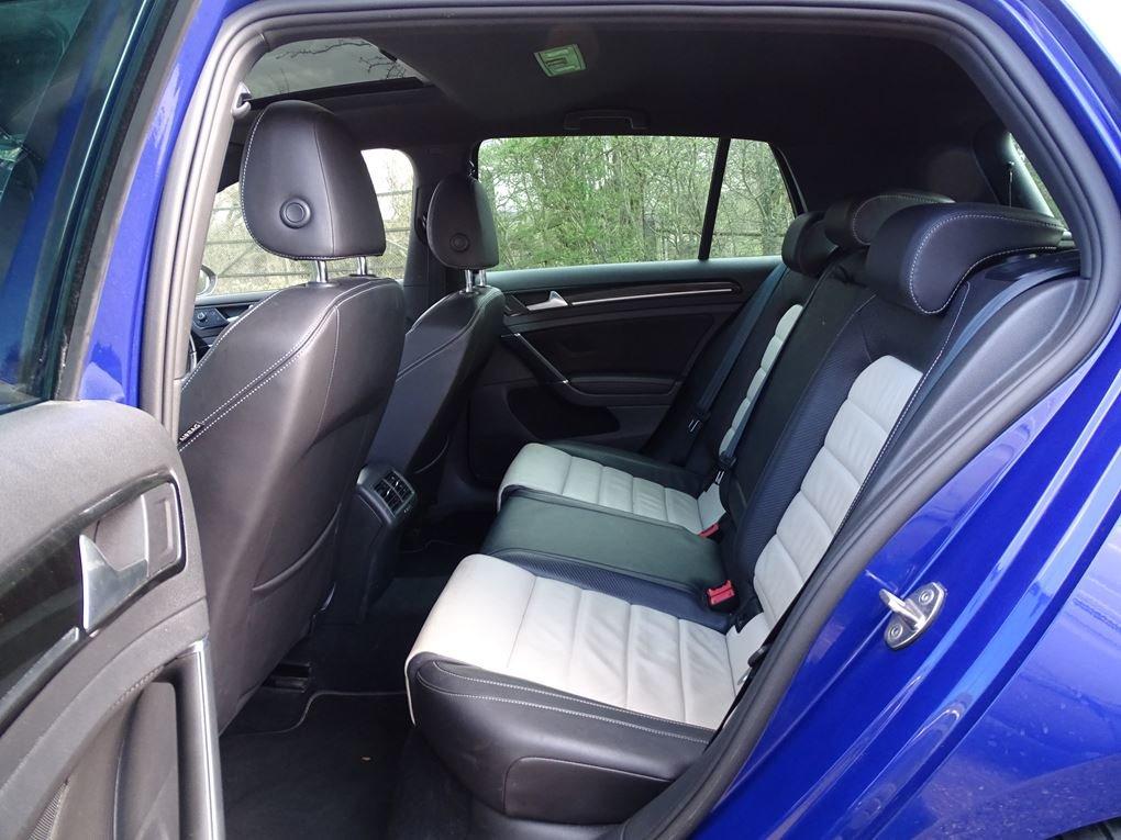 2016 Volkswagen  GOLF  R 2.0 TSI 5 DOOR DSG AUTO  17,948 For Sale (picture 13 of 21)