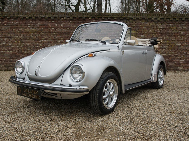1974 Volkswagen Beetle convertible For Sale (picture 1 of 6)