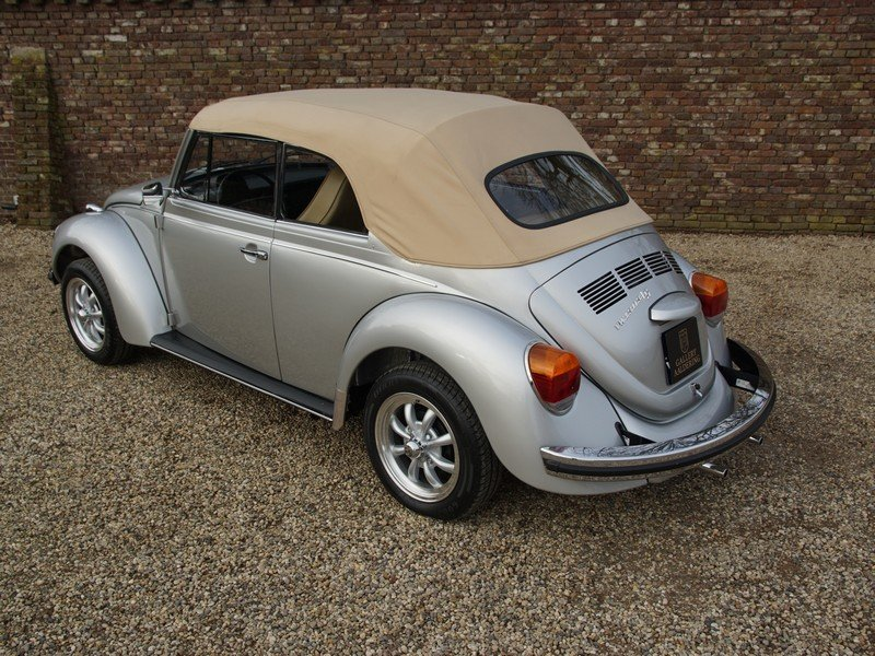 1974 Volkswagen Beetle convertible For Sale (picture 2 of 6)