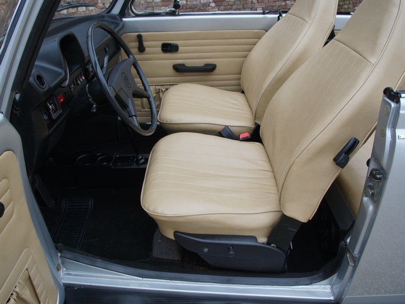 1974 Volkswagen Beetle convertible For Sale (picture 3 of 6)