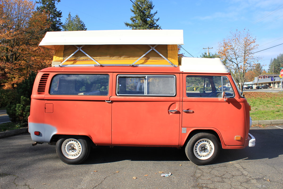 1973 Volkswagen Bus Type 2 Riviera For Sale by Auction (picture 3 of 4)