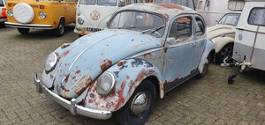 1957 Oval window to restore For Sale