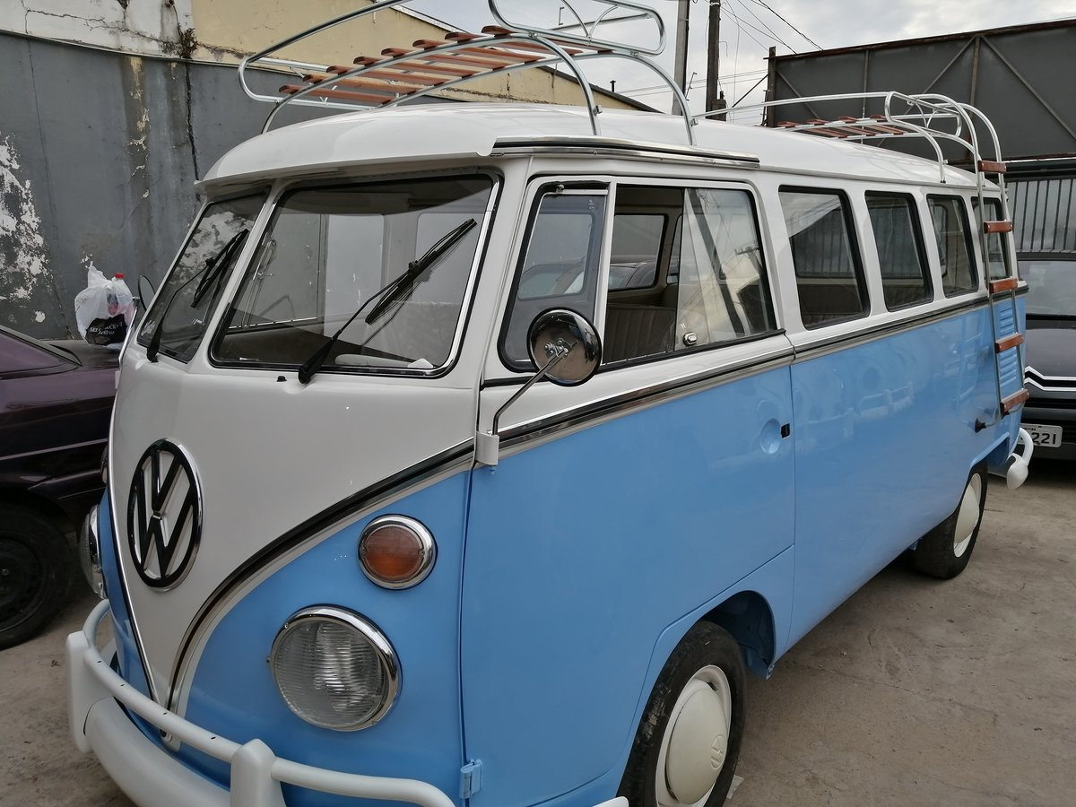 1975 Top quality restored VW T1 split window bus For Sale (picture 1 of 6)