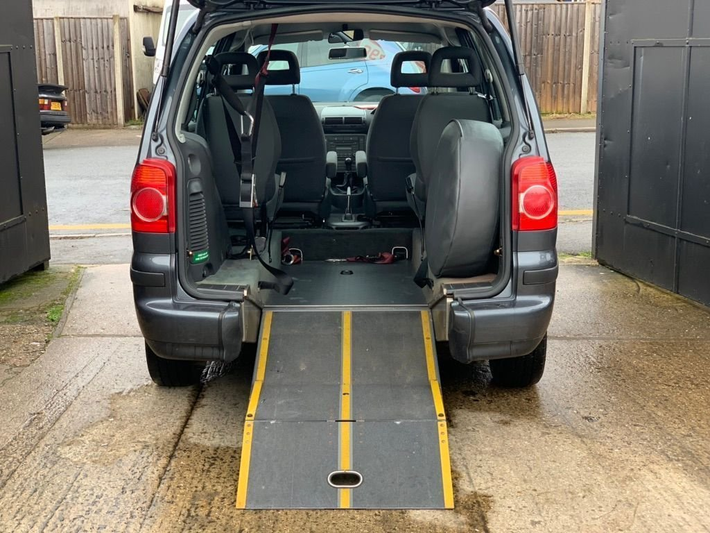 2006 Volkswagen Sharan 2.0 S 5dr - WHEEL CHAIR ACCESS For Sale (picture 4 of 6)