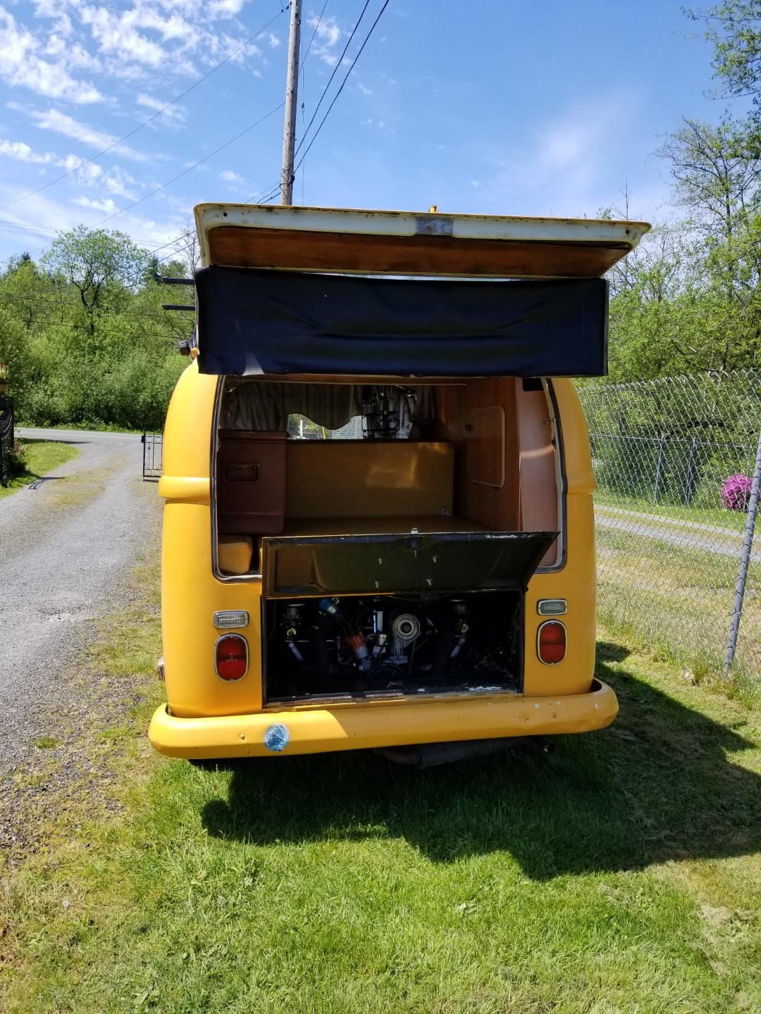 1971 Volkswagen Bus For Sale by Auction (picture 2 of 6)