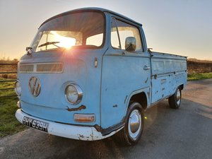 1970 T2 Low Light Early Bay Pick Up