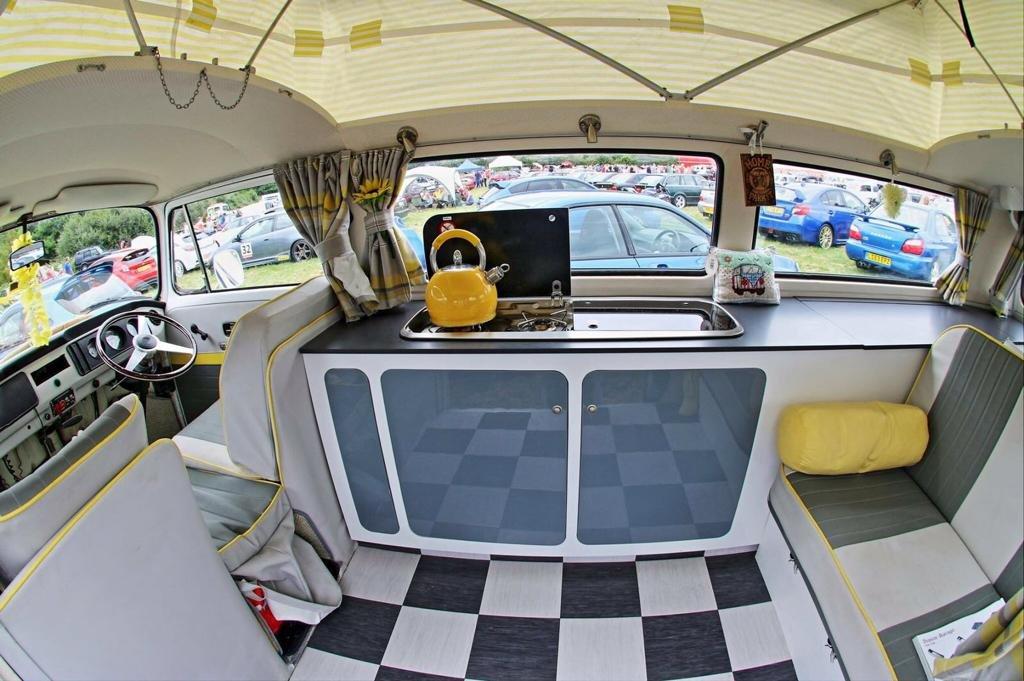 1971 VW BAY WINDOW WESTFALIA SOLD (picture 5 of 6)