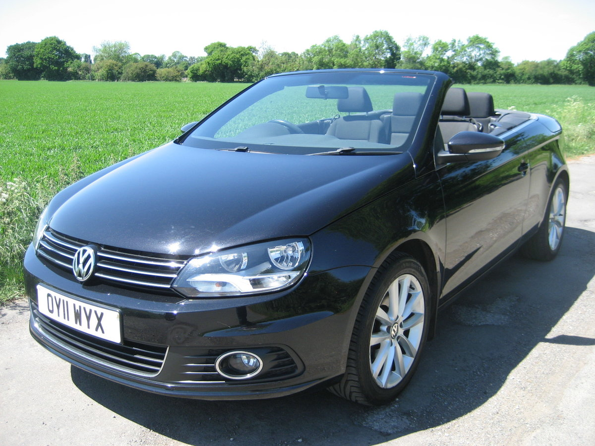 2011 Volkswagen Eos Convertible For Sale (picture 2 of 6)