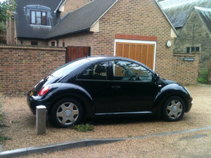 VW Beetle 2.0 Automatic/Sunroof/2 owners