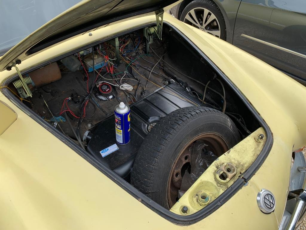 1969 Karman Ghia Lovely car easy restoration project SOLD (picture 4 of 5)