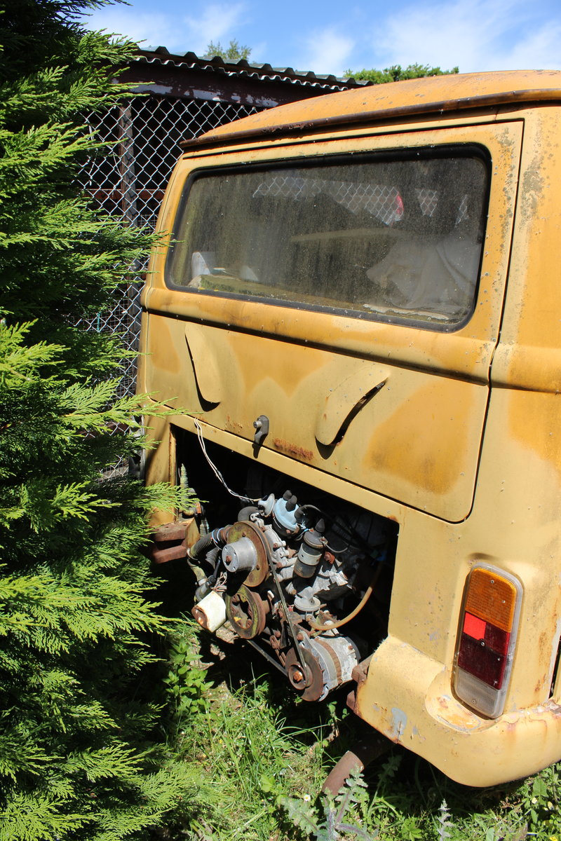 1980 Volkswagen V8 bus For Sale (picture 3 of 3)