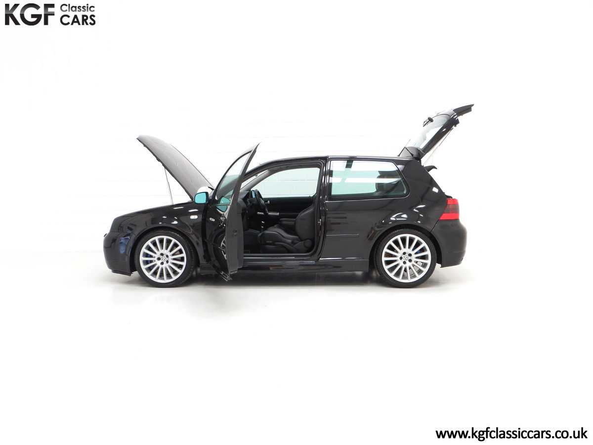 2003 A Desirable Volkswagen Golf R32 3dr with Only Two Owners For Sale (picture 7 of 24)