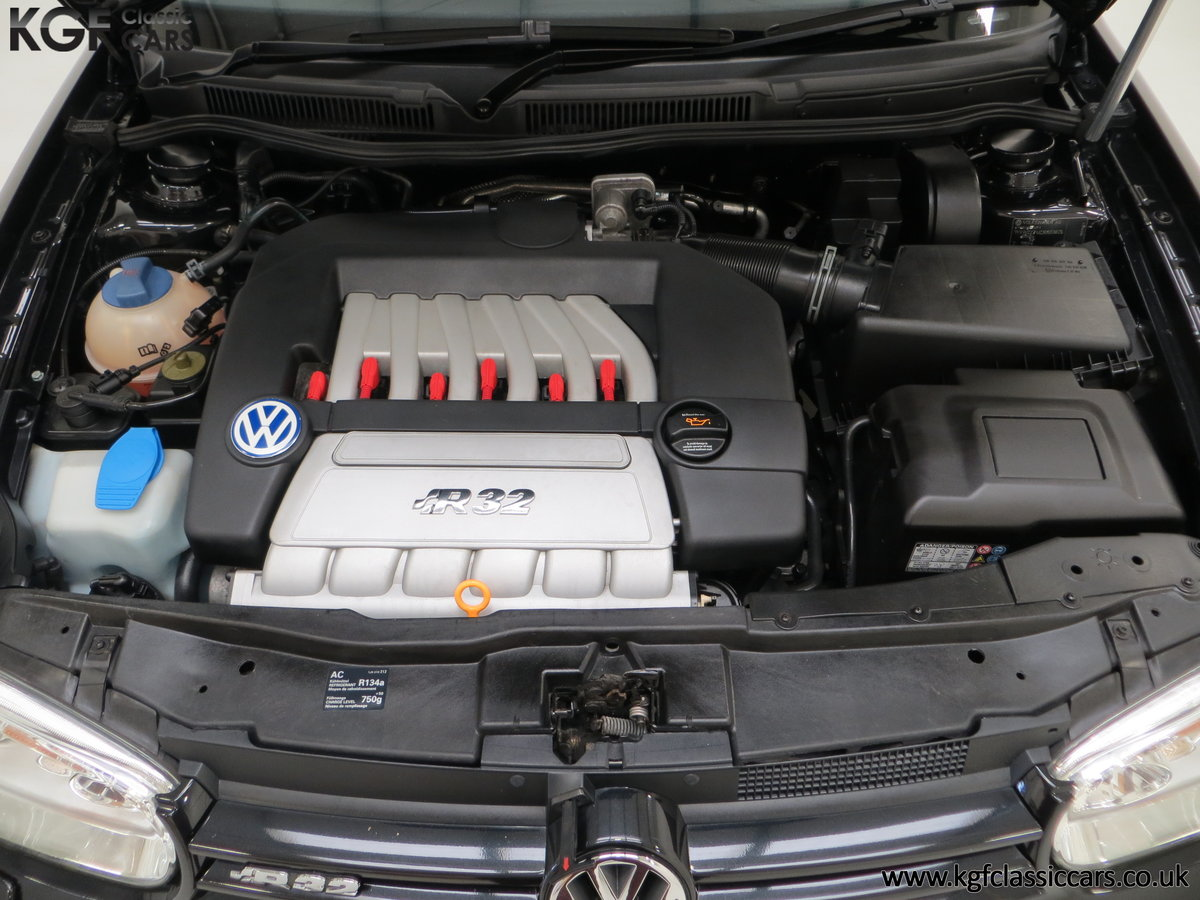 2003 A Desirable Volkswagen Golf R32 3dr with Only Two Owners For Sale (picture 15 of 24)
