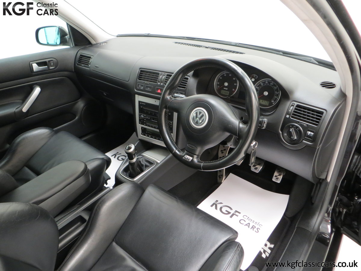 2003 A Desirable Volkswagen Golf R32 3dr with Only Two Owners For Sale (picture 18 of 24)